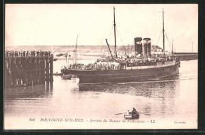 AK Boulogne-sur-Mer, Arrivée du Bateau de Folkestone, Auslaufender Dampfer
