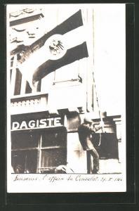 AK Lausanne, Schweizer Studenten-Protest zum Kaisergeburtstag 27.1.1916 am Deutschen Konsulat