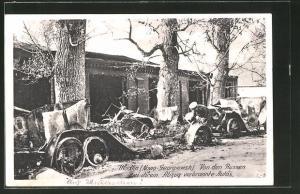 AK Nowo-Georgiewsk, Von Russen bei ihrem Anzug verbrannte Autos an der Festung Modlin