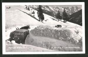 AK St. Anton a. A., Blick in die Arlbergstrasse