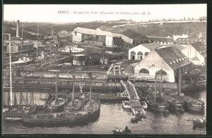 AK Brest, le Tond du Port, Chantiers de Constructions, Hafen