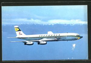 AK Boeing Jet intercontinental der Lufthansa im Flug