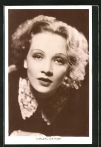 AK Schauspielerin Marlene Dietrich in einer Filmszene