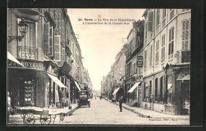AK Sens, La rue de la Republique a l`intersection de la grande rue