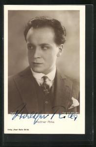 AK Schauspieler Walther Rilla im Anzug, Autograph