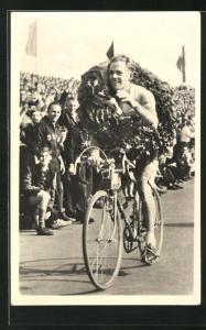 AK Gustav Adolf Schur, Sieger der Friedensfahrt 1955