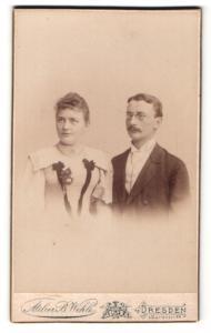 Fotografie Atelier B. Wehle, Dresden, Portrait bürgerliches Paar in modischer Kleidung
