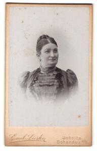Fotografie Emil Lieske, Sebnitz & Schandau a/E, Portrait Dame mit zusammengebundenem Haar