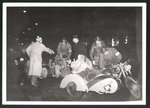 Fotografie Motorrad Triumph TWN, Krad mit Seitenwagen bei Int. Zielfahrt Nürnberg - Garmisch