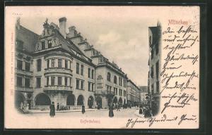 Relief-AK München, Strasse am Münchner Hofbräuhaus