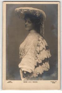 Relief-AK Schauspielerin Miss Ada Reeve mit Hut
