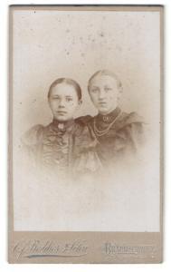 Fotografie C. F. Beddies & Sohn, Braunschweig, Portrait zwei Fräuleins