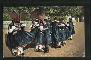 AK Junge Paare beim Schwälmer Tanz, hessische Tracht