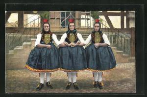 AK Drei Schwälmer Freundinnen, hessische Tracht