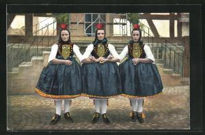 AK Hessische Trachten, 3 Schwälmer Freundinnen