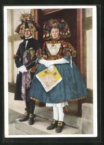 AK Hessische Trachten, Schwälmer Brautpaar im Hochzeitsstaat