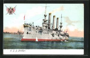 AK Kriegsschiff U. S. S. Brooklyn vor der Küste