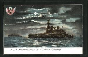 AK Kriegsschiff U. S. S. Massachusetts und U. S. S. Brooklyn auf hoher See