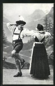 AK Salzburger Almtanz, Paar in Tracht beim Volkstanz