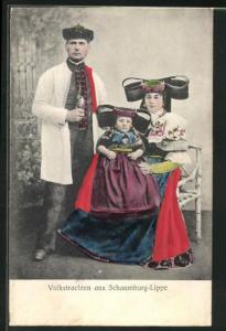 AK Familie in Tracht Schaumburg-Lippe