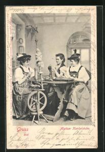 AK Frauen in bayerische Tracht am Spinnrad