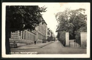 AK Wien, Heizingergasse mit Baum