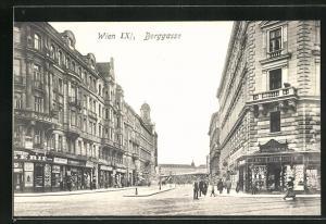 AK Wien, Berggasse mit Geschäften