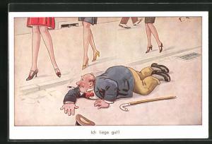 AK Mann liegt auf der Strasse und lugt unter die Röcke der Damen, Erotik