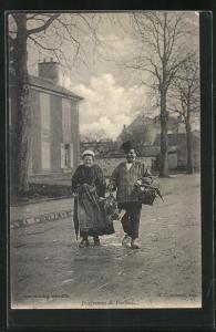 AK Pontoise, Habitants dans une rue