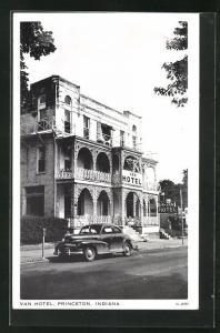AK Princeton, IN, Van Hotel