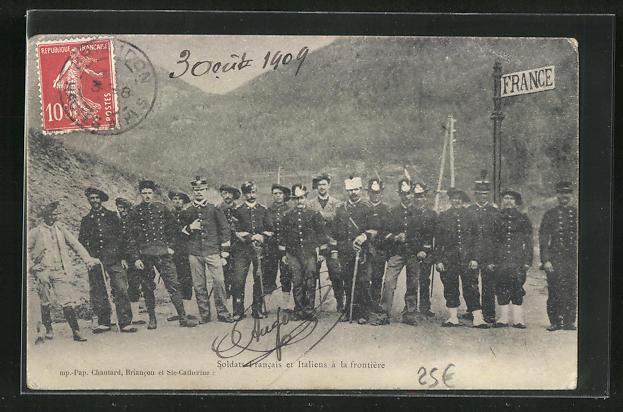 AK Soldats Francais et Italiens a la frontiere, Soldaten an der Grenze 0