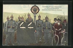 AK Noveant-Arnaville, Deutsch-Französische Grenze, Soldaten in Uniform mit Pickelhaube