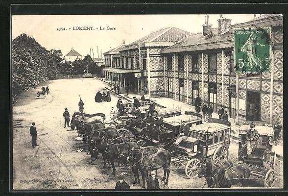 AK Lorient, La Gare, Kutschen vor dem Bahnhof 0
