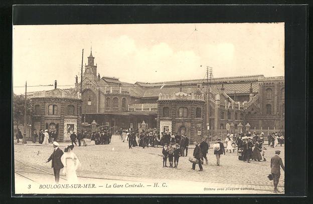 AK Boulogne-sur-Mer, La Gare Centrale 0