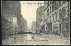 AK Levallois-Perret, La Rue Fazilleau, Hochwasser 1910