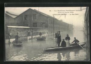 AK Levallois-Perret, La Rue Cavè, Hochwasser 1910