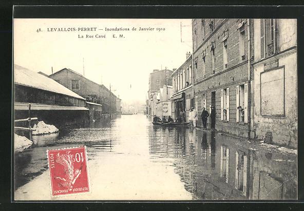 AK Levallois-Perret, La Rue Cavè Hochwasser 1910 0