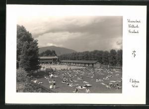 Foto-AK Adalbert Defner: Villach, Blick in das Freibad