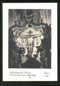 Foto-AK Adalbert Defner: Villach, Gotisches Kruzifix im Hochaltar der Stadtpfarrkirche