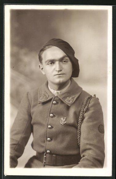AK Soldat in Uniform eines Alpenjäger 0