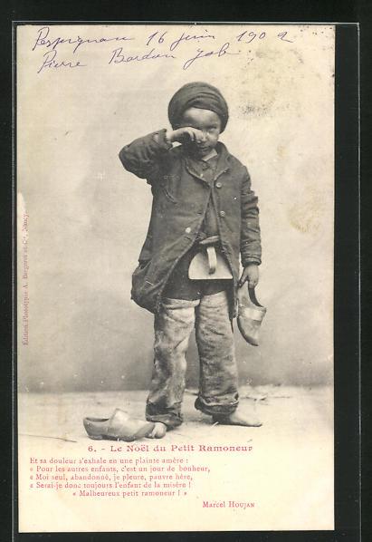 AK Junger Schornsteinfeger weint bitterlich und hält einen Holzschuh in der Hand 0