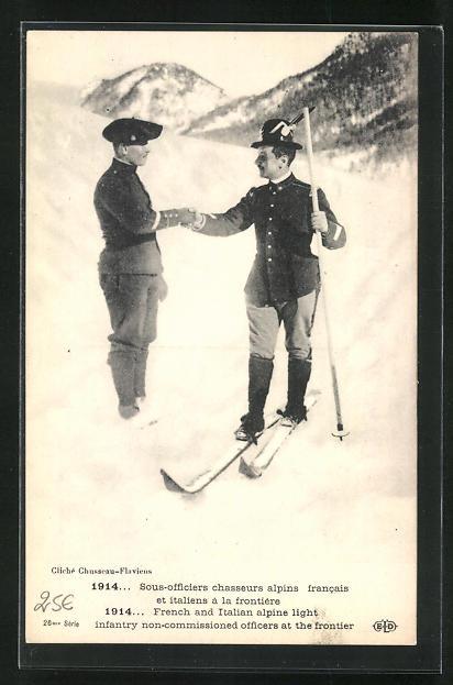AK Sous-officiers chasseurs alpins francais et italiens à la frontière, Soldaten an der Grenze 0