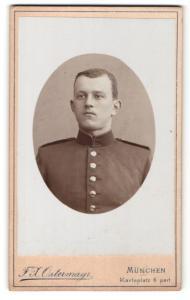 Fotografie F. X. Ostermayr, München, junger Soldat mit Schulterklappen