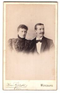 Fotografie Hans Klüpfel, Würzburg, Portrait bürgerliches Paar in eleganter Kleidung