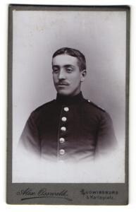 Fotografie Alex Osswald, Ludwigsburg, Portrait Soldat in Uniform