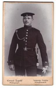 Fotografie ERnst Zapff, Leipzig-Gohlis, Portrait Soldat in Uniform