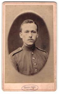 Fotografie Gustav Holz, Stockach, Portrait Soldat in Uniform