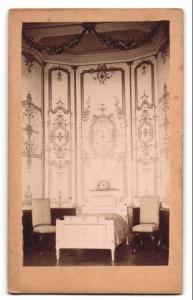 Fotografie J. Schneider, Langenlois, unbekannter Ort, herrschaftliches Schlafzimmer