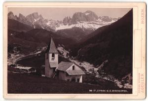 Fotografie J. Gugler, Bozen, Ansicht St. Cyprian, Kapelle mit dem Rosengarten