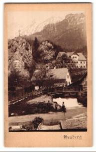 Fotografie F. Ramesmeier, Neuberg, Ansicht Neuberg, Partie mit Bergkreuz und Wehr